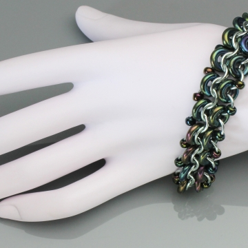 Racing Stripe Bracelet- Chainmaille with glass- Mint/Green Iris