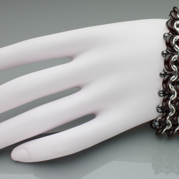 Racing Stripe Bracelet 3-row- Chainmaille with glass- Aluminum/Garnet/Gunmetal